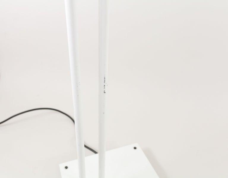 Metal White Samurai Floor Lamp by Sigheaki Asahara for Stilnovo, 1970s For Sale