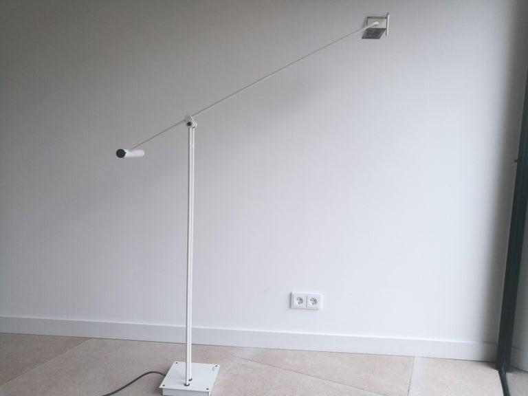 Mid-Century Modern White Samurai Floor Lamp by Sigheaki Asahara Voor Stilnovo, 1980s For Sale