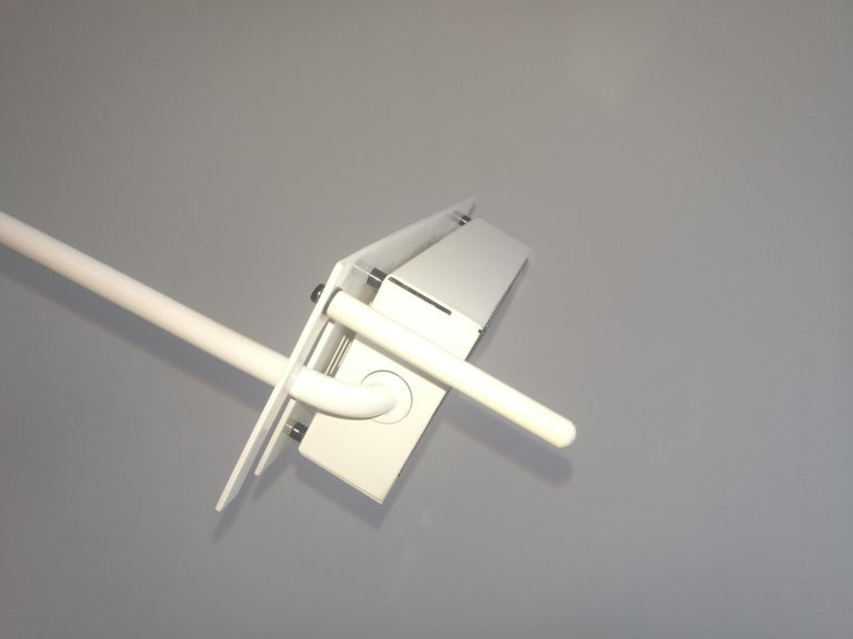 Lacquered White Samurai Floor Lamp by Sigheaki Asahara Voor Stilnovo, 1980s For Sale