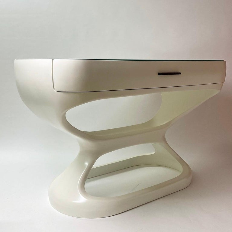 Italian White Space Age Desk Made in Italy, 1970s For Sale