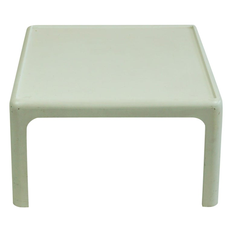 White Space Age Plastic Coffee Table by Peter Ghyczy for Horn Collection Germany For Sale