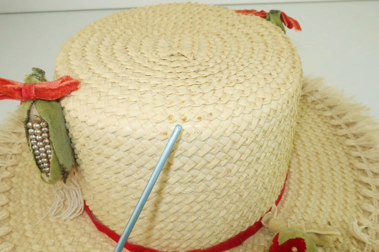 White Straw Raffia Trim Novelty Hat With Strawberries, 1950's For Sale 6