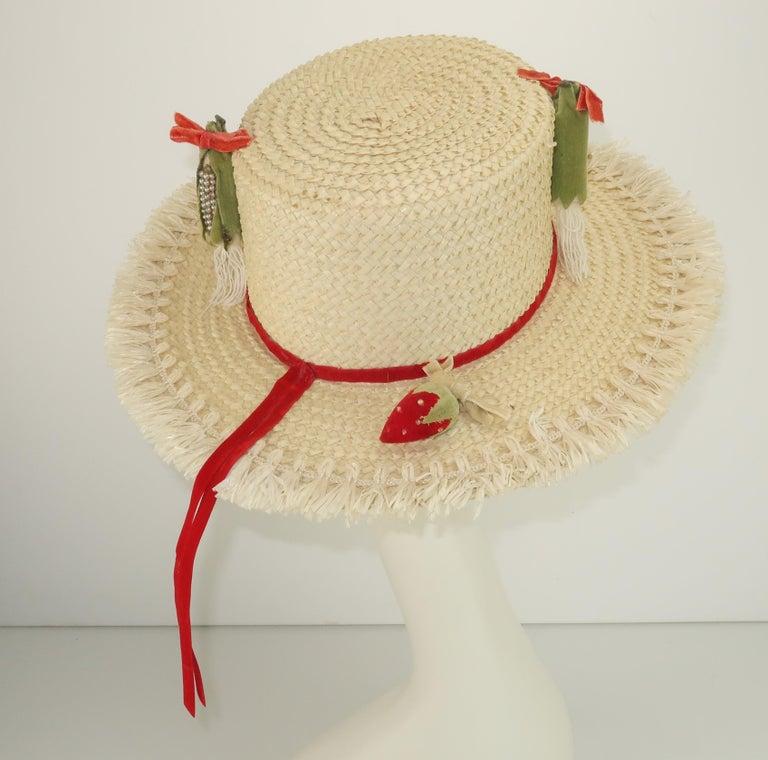 White Straw Raffia Trim Novelty Hat With Strawberries, 1950's For Sale 1
