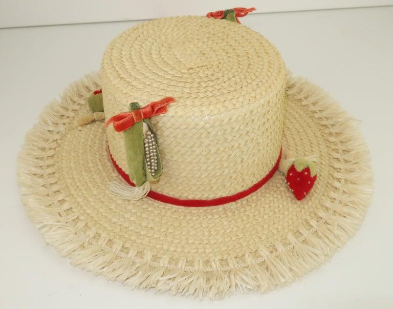 White Straw Raffia Trim Novelty Hat With Strawberries, 1950's For Sale 2