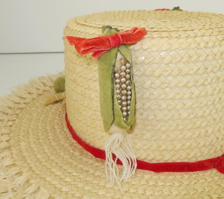 White Straw Raffia Trim Novelty Hat With Strawberries, 1950's For Sale 3