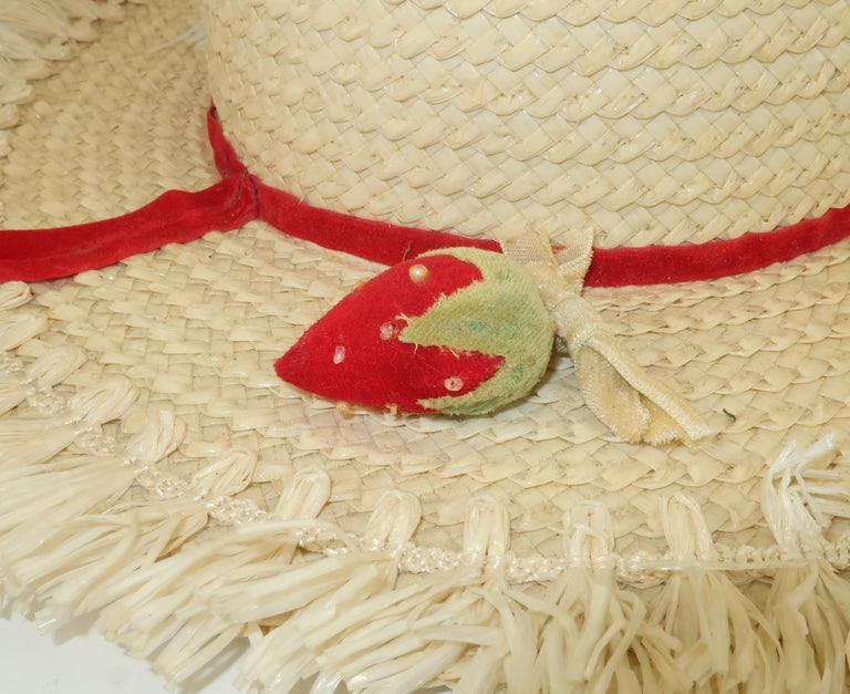 White Straw Raffia Trim Novelty Hat With Strawberries, 1950's For Sale 4