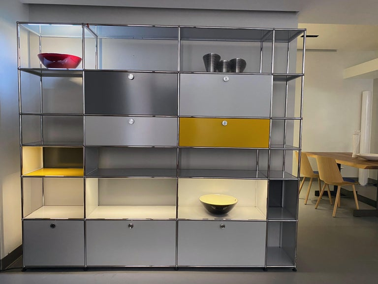 Usm Haller Shelving unit with E light