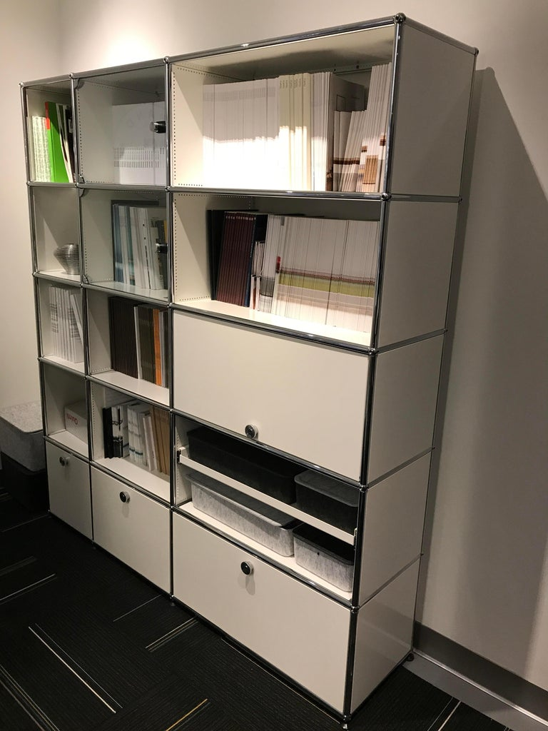 Swiss White USM Haller Shelf with Chrome Frame For Sale