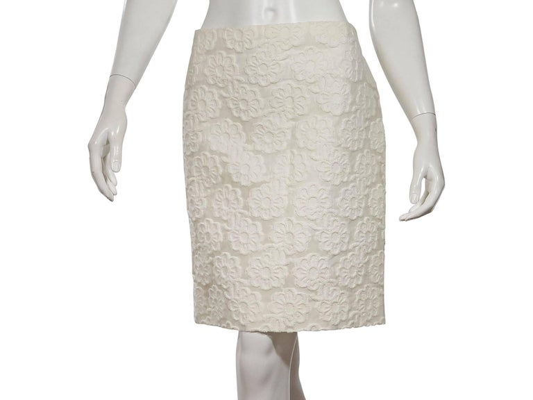 White Vintage Chanel Floral Skirt Set For Sale at 1stdibs 6bcde3150