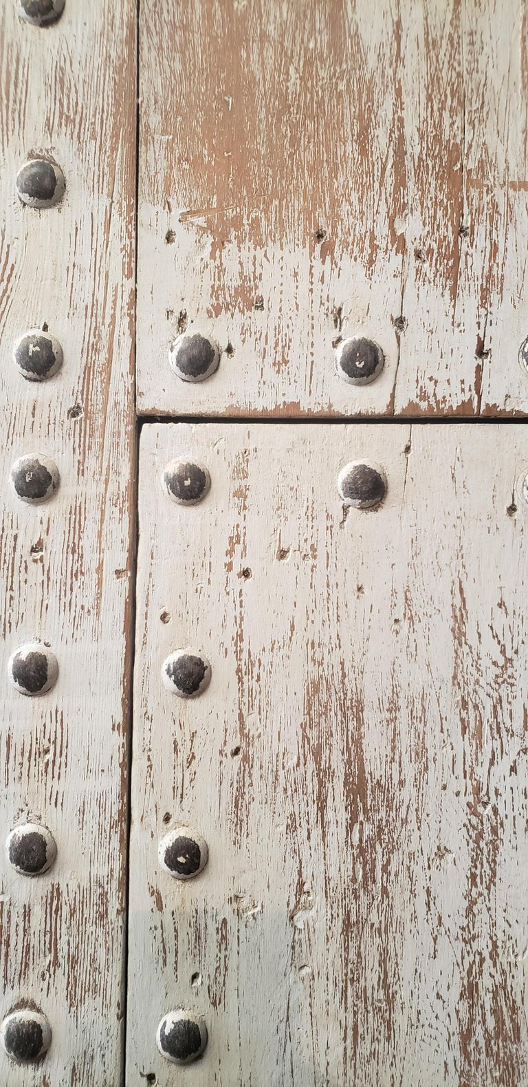 White Washed Moroccan Wooden Door, MD42 In Good Condition For Sale In Orlando, FL