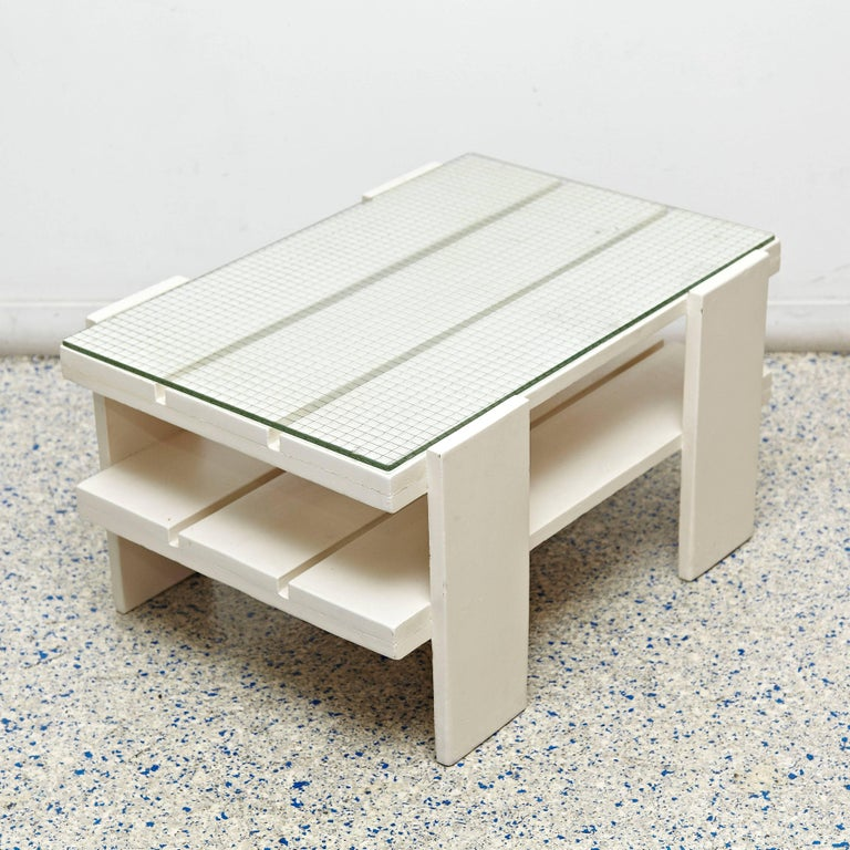 Crate table design in the style of Gerrit Thomas Rietveld for Metz & Co, manufactured in Holland, circa 1950.  Lacquered wood and glass top.  In good original condition, preserving a beautiful patina.  Gerrit Thomas Rietveld (24 June 1888-25