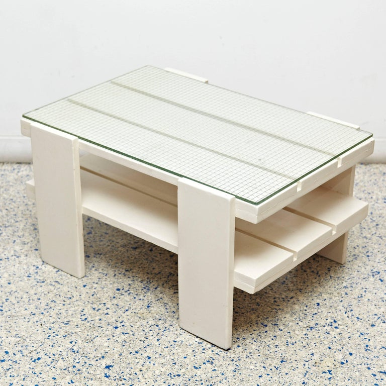 Dutch White Wood Mid-Century Modern Table in the Style of Gerrit Rietveld, circa 1950 For Sale