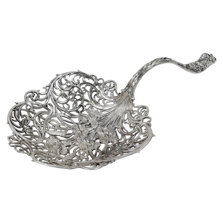 Whiting Art Nouveau Sterling Silver Wild Flower Bonbon Scoop