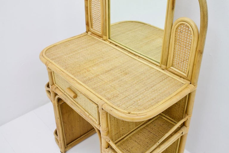 Mid-Century Modern Wicker and Bamboo Vanity Desk, 1950s For Sale