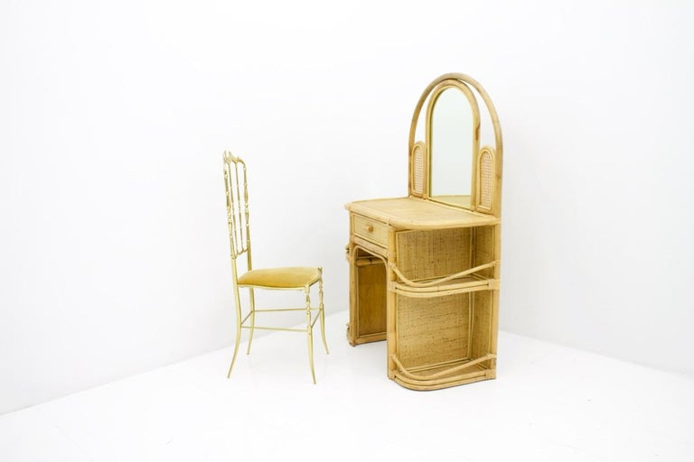 Wicker and Bamboo Vanity Desk, 1950s In Good Condition For Sale In Frankfurt / Dreieich, DE