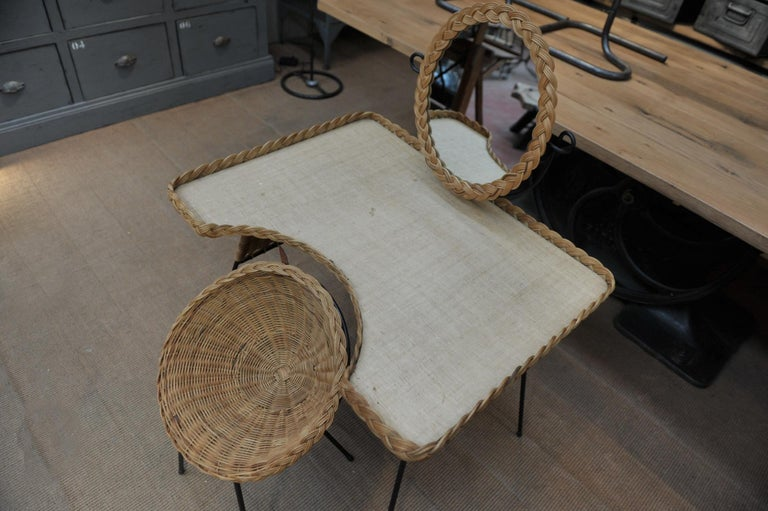 Wicker and Iron Dressing Table with Swiveling Mirror and His Chair, circa 1960s For Sale 4