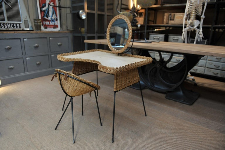 Wicker and Iron Dressing Table with Swiveling Mirror and His Chair, circa 1960s For Sale 7