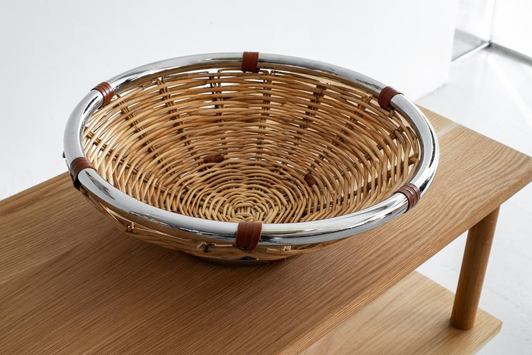 Wicker and Leather Bowl In Good Condition For Sale In Los Angeles, CA