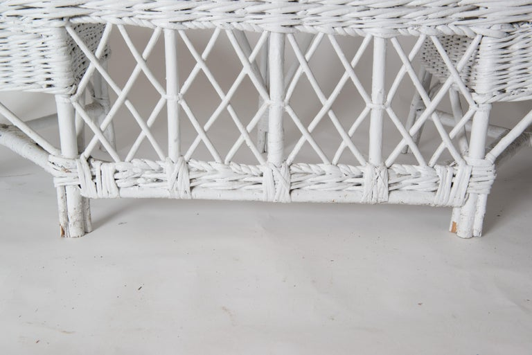Wicker Banquette In Good Condition For Sale In Stamford, CT