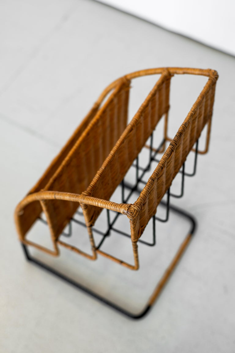 20th Century Wicker Magazine Rack Attributed to Jacques Adnet For Sale