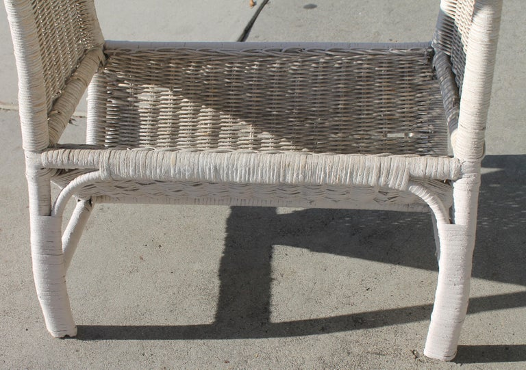 Hand-Painted Wicker Side Table in Original White Painted Surface For Sale