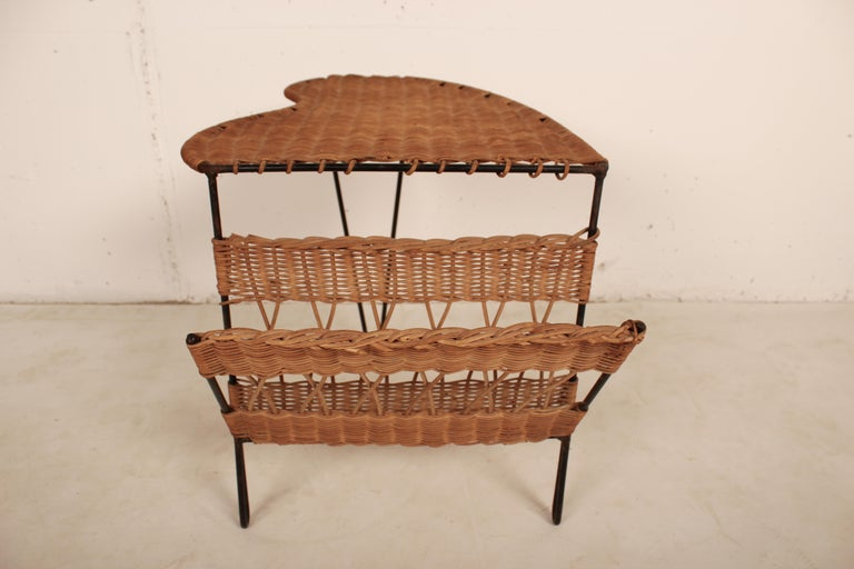Wicker Side Table with Magazine Holder by Raoul Guys, France, 1950 For Sale 4