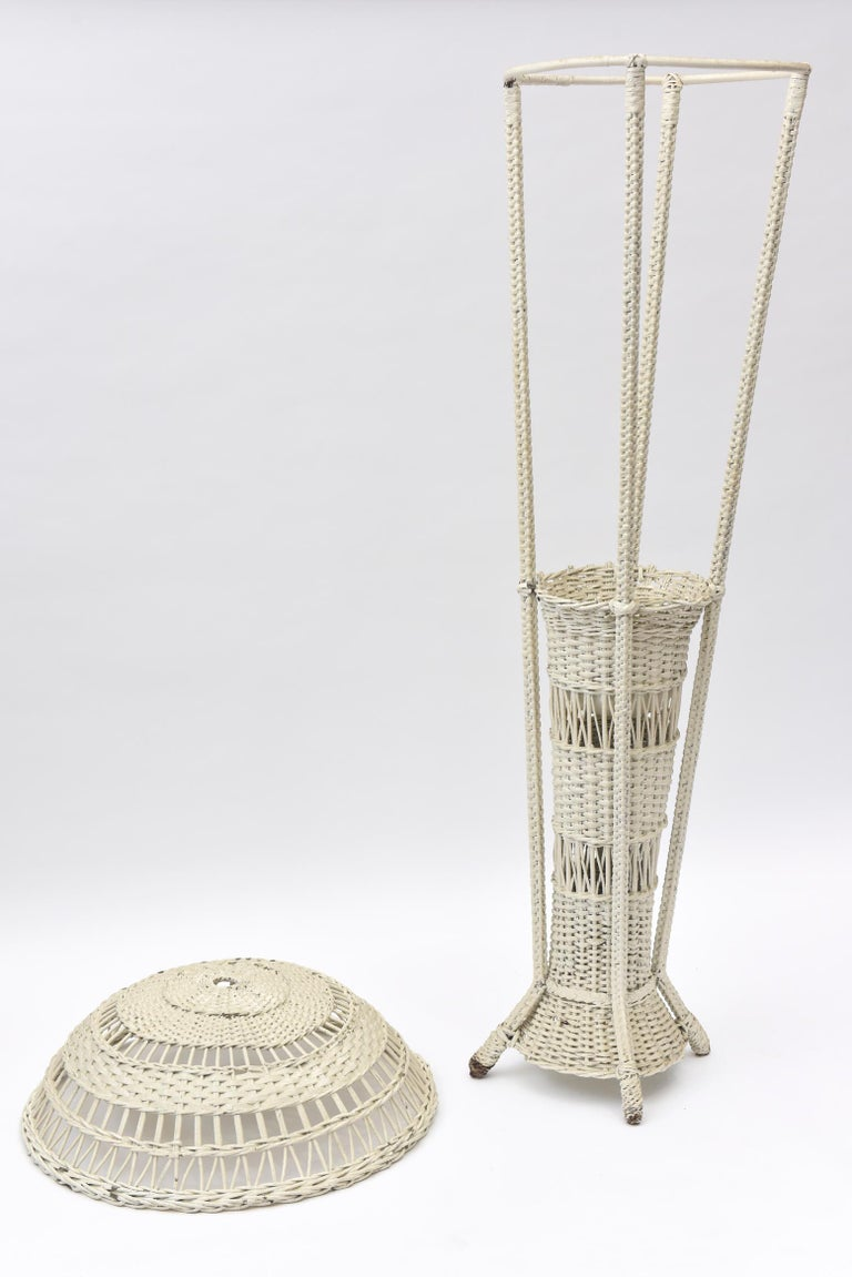 Wicker Standing Floor Lamp Early 20th Century with Flower Vase Insert Base For Sale 2