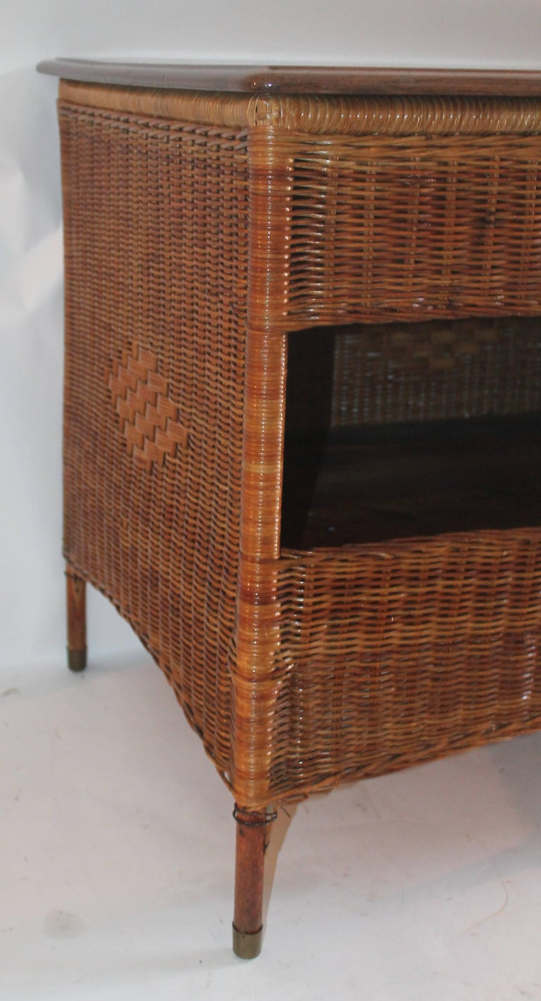 American Wicker Work Table with Lift Top For Sale