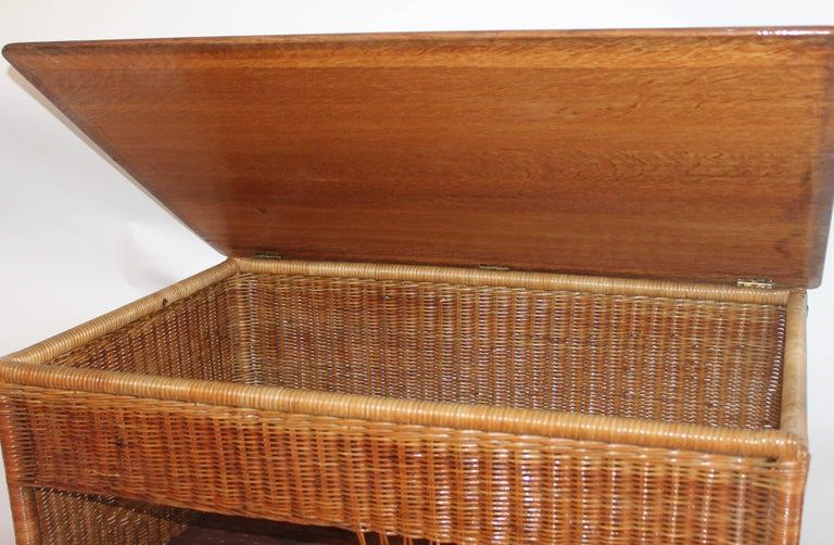 Mid-20th Century Wicker Work Table with Lift Top For Sale