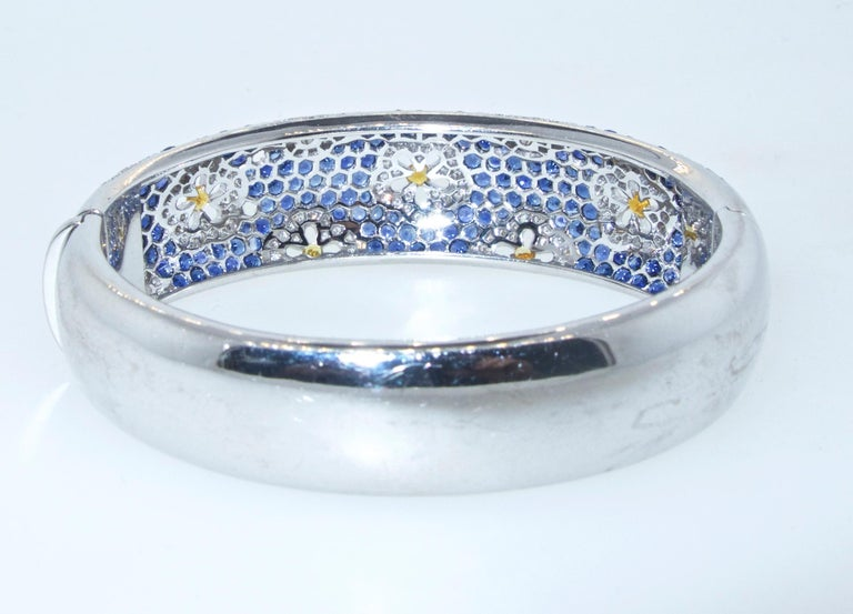 Wide Blue and Yellow Sapphire and Diamond Bangle Bracelet In Excellent Condition For Sale In Aspen, CO
