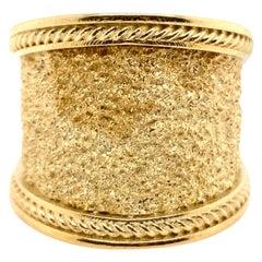 Wide Cigar Band 18 Karat Yellow Gold Textured