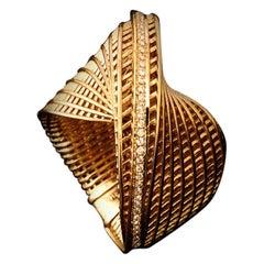18 Karat Yellow Gold Wide Mobius Diamond Ring, Twisted Ring, Luxury Ring.