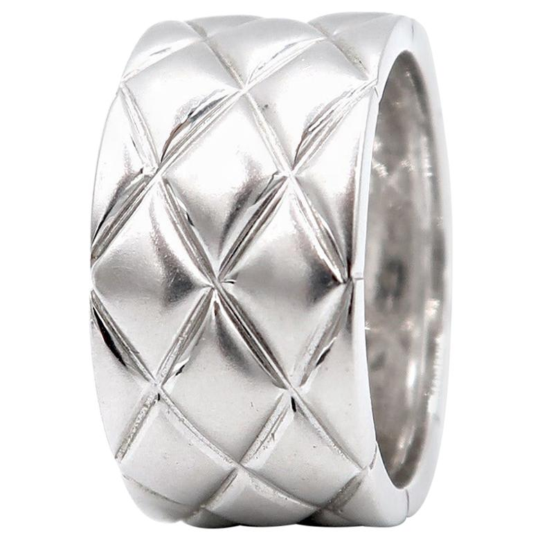 Wide Quilted Brushed 18 Karat White Gold Band Ring