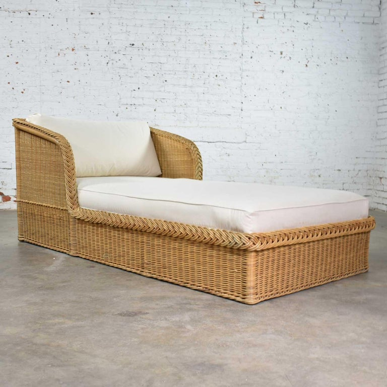 Wide Rattan Wicker Chaise by Bielecky Brothers, Inc. New White Canvas Upholstery In Good Condition For Sale In Topeka, KS
