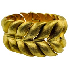 Wide Textured Satin 18 Karat Yellow Gold Foliate Motif Bracelet