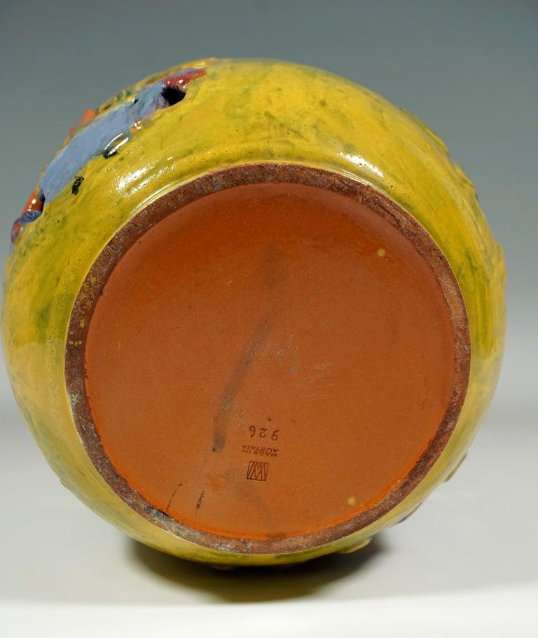 Wiener Werkstaette Expressive Ceramic Flower Pot by Susi Singer, 1922-1925 In Good Condition For Sale In Vienna, AT