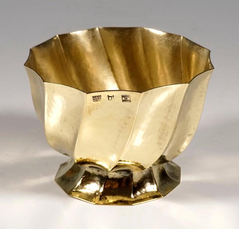 Art Nouveau Wiener Werkstaette Hammered Brass Cigarette Bowl by Josef Hoffmann, circa 1920 For Sale