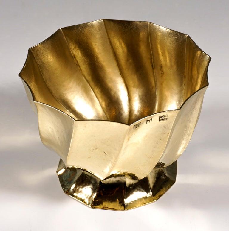 Austrian Wiener Werkstaette Hammered Brass Cigarette Bowl by Josef Hoffmann, circa 1920 For Sale