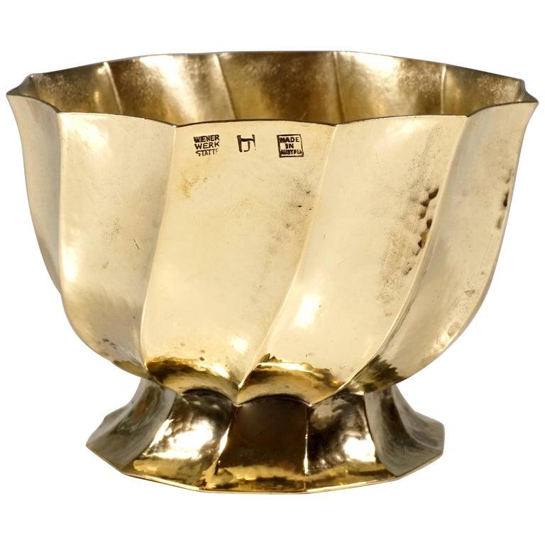 Wiener Werkstaette Hammered Brass Cigarette Bowl by Josef Hoffmann, circa 1920 For Sale