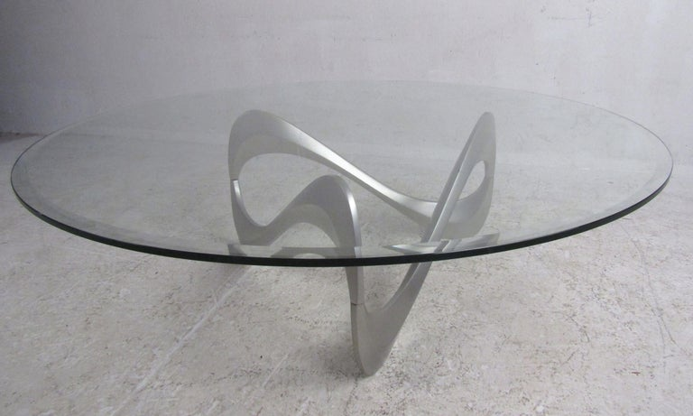 Wild Mid-Century Modern Sculpted Metal Base Coffee Table In Good Condition For Sale In Brooklyn, NY