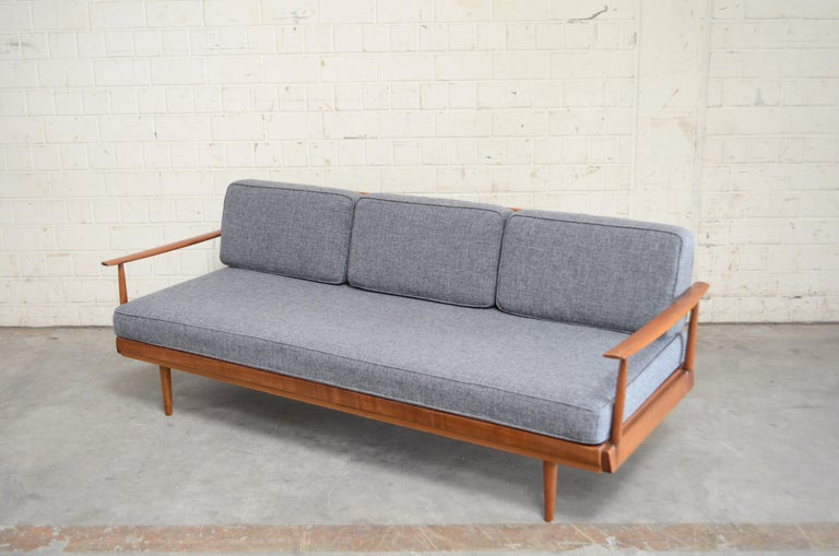 Mid-Century Modern Wilhelm Knoll Antimott Daybed Sofa For Sale