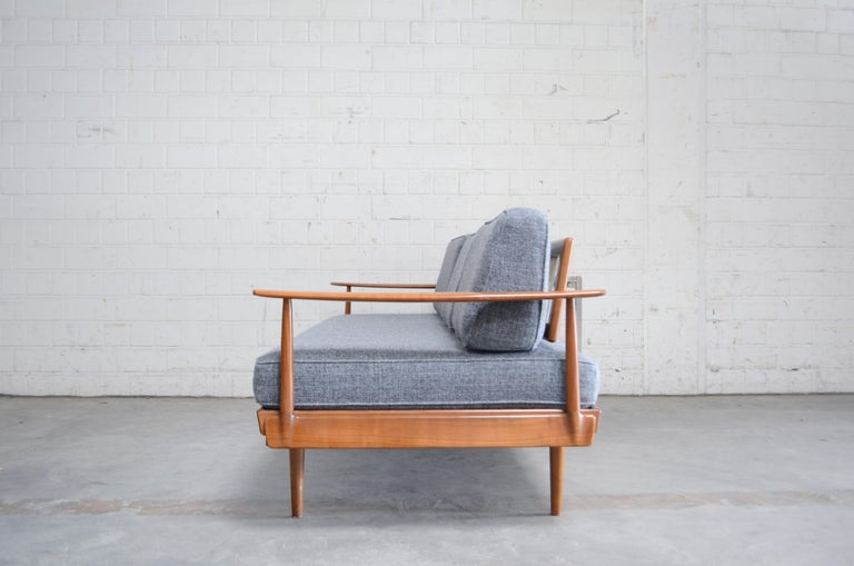 Mid-20th Century Wilhelm Knoll Antimott Daybed Sofa For Sale