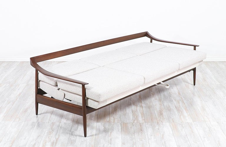 Mid-Century Modern Wilhelm Knoll Convertible Sofa / Daybed for Antimott Knoll For Sale