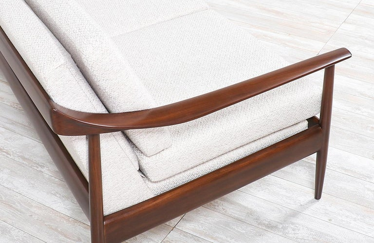 Mid-20th Century Wilhelm Knoll Convertible Sofa / Daybed for Antimott Knoll For Sale
