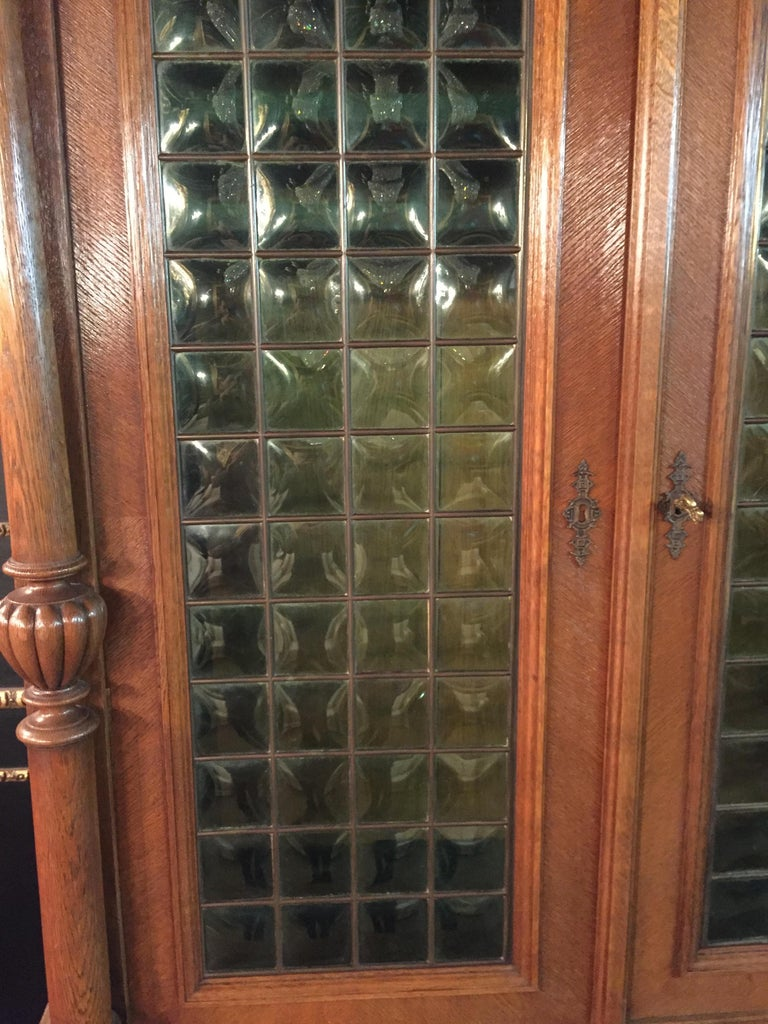 Wilhelminian Style Cupboard with Small Green Glass, circa 1880 For Sale 3