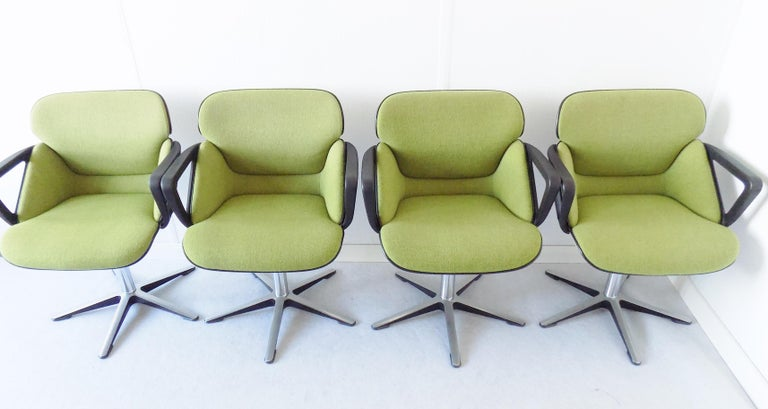 Wilkhahn chair model 190 by Hans Roericht, Set of 4 chairs, German, Mid-Century Modern, swivel, dining chair, office chair  This set of 4 model 190 Wilkhahn chairs comes in a fantastic green fabric with beige hardshells on the backrests. The
