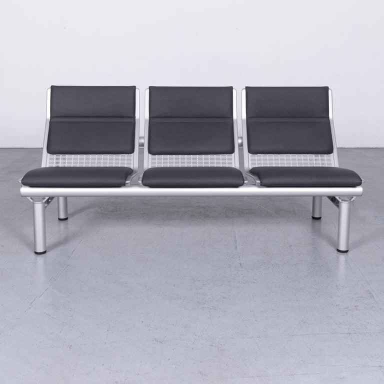 We bring to you a Wilkhahn Tubisdesigner fabric sofa set three-seat bank anthracit.