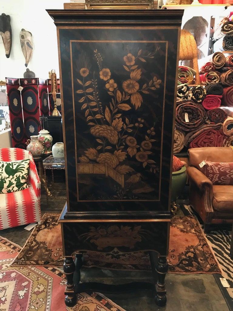 William & Mary Style Large Chest with Chinoiserie Decoration For Sale 2