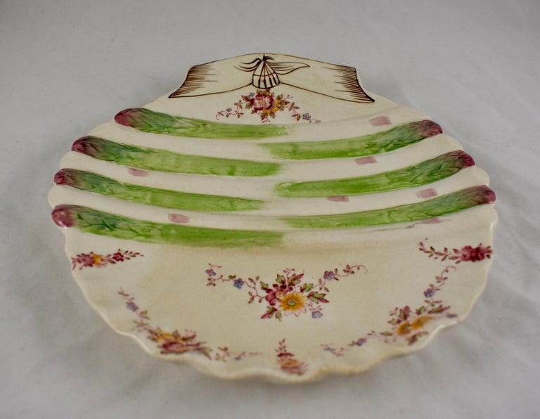 Late 19th Century William Adderley English Staffordshire Shell and Floral Asparagus Plate For Sale