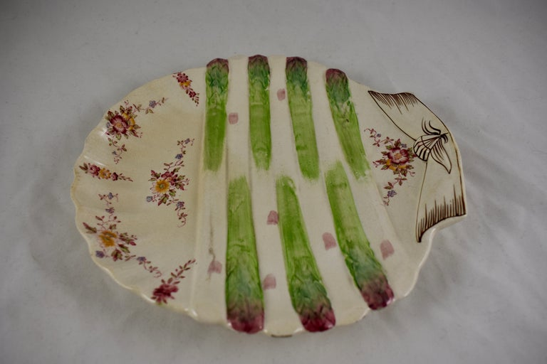Earthenware William Adderley English Staffordshire Shell and Floral Asparagus Plate For Sale
